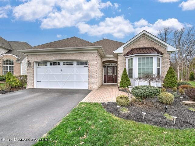 14 E Francesa Court, Farmingdale, NJ 07727 (MLS #21715146) :: The Dekanski Home Selling Team