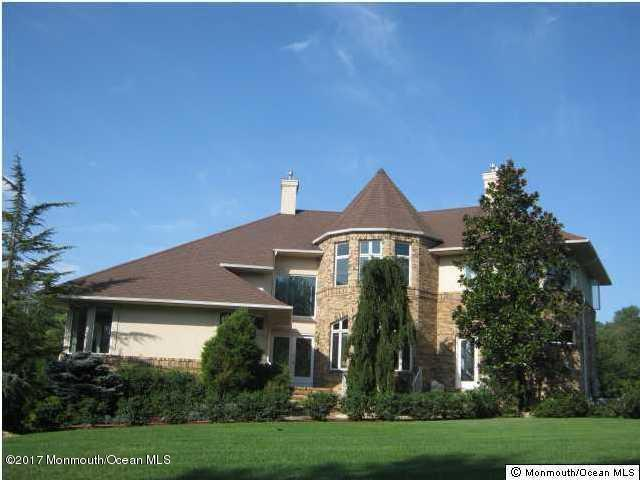 440 Fawns Run, Morganville, NJ 07751 (MLS #21716655) :: The Dekanski Home Selling Team