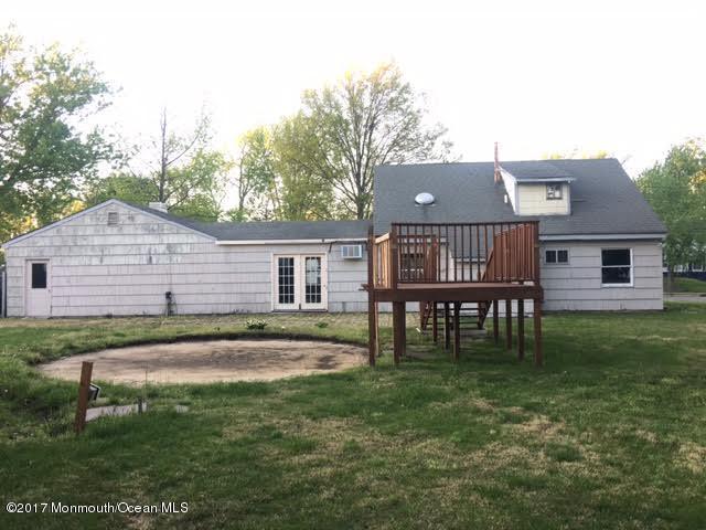 17 Hemlock Street, Hazlet, NJ 07730 (MLS #21717395) :: The Dekanski Home Selling Team