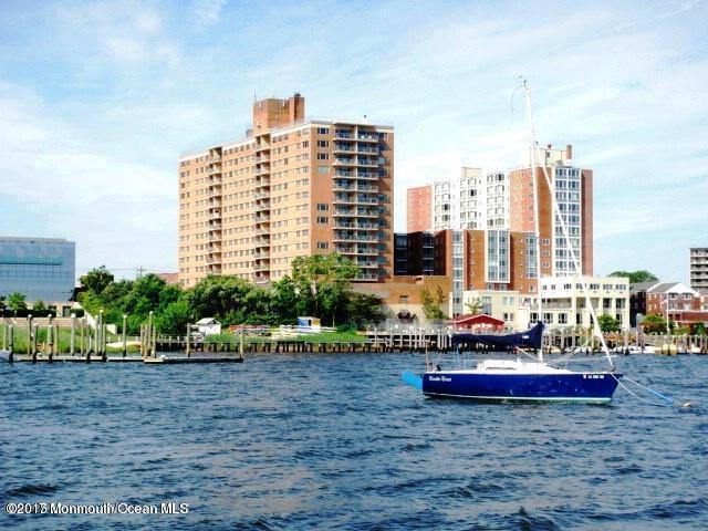 28 Riverside Avenue 2D, Red Bank, NJ 07701 (MLS #21719405) :: The Dekanski Home Selling Team