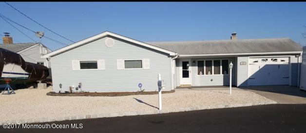 27 Long John Silver Way, Waretown, NJ 08758 (MLS #21720490) :: The Dekanski Home Selling Team