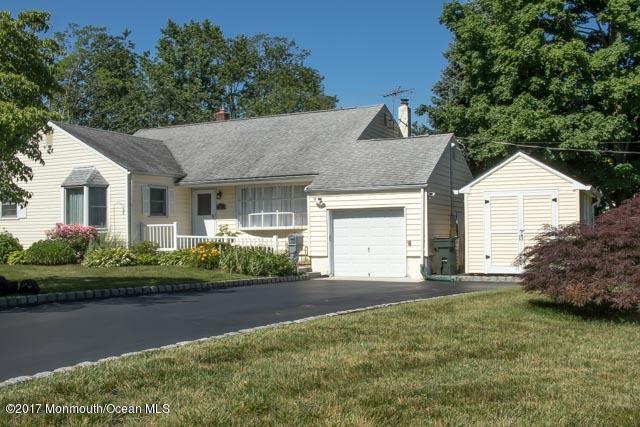 14 Daniel Drive, Middletown, NJ 07748 (MLS #21721662) :: The Dekanski Home Selling Team
