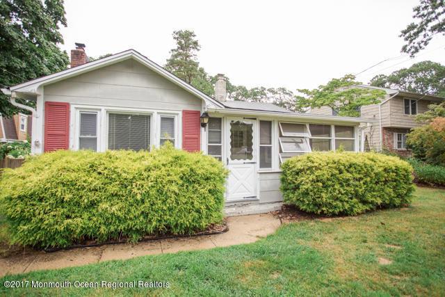 1626 Myrtle Avenue, Manasquan, NJ 08736 (MLS #21726219) :: The Dekanski Home Selling Team