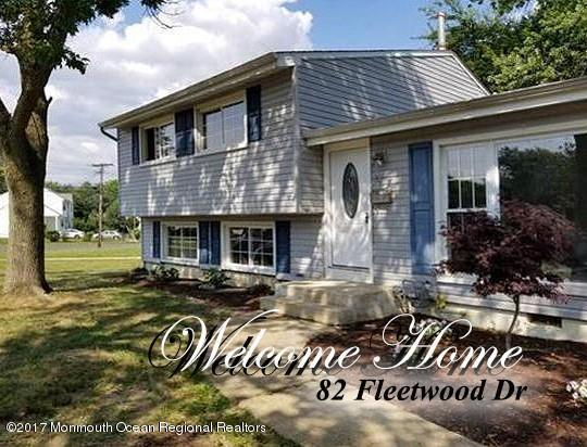 82 Fleetwood Drive, Hazlet, NJ 07730 (MLS #21727195) :: The Dekanski Home Selling Team