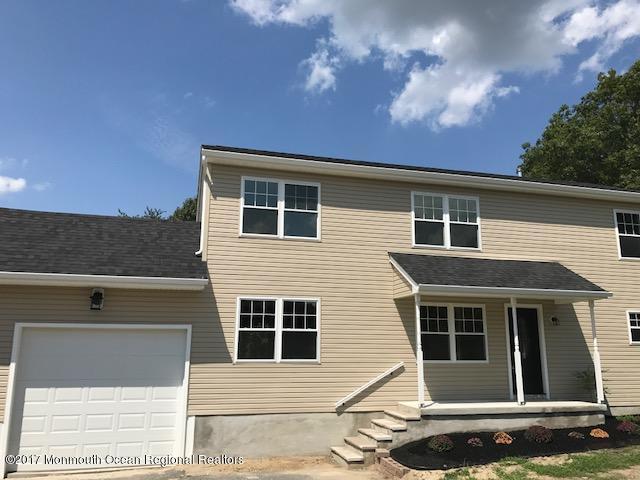 28 Oakwood Drive, Howell, NJ 07731 (MLS #21732079) :: The Dekanski Home Selling Team