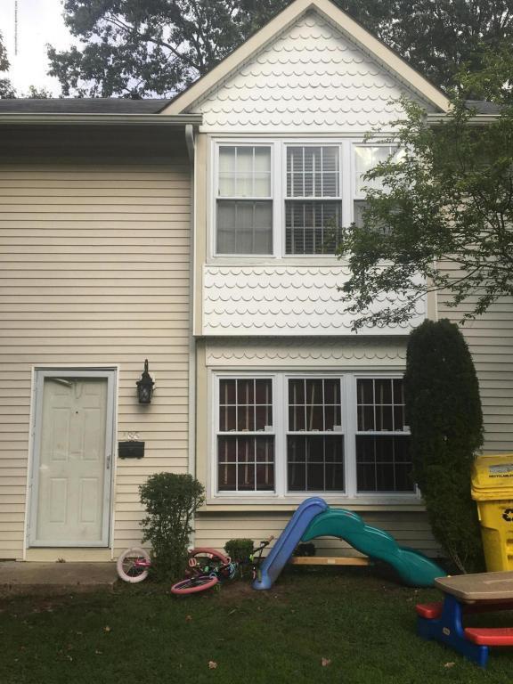 186 Stratford Place, Lakewood, NJ 08701 (MLS #21737604) :: The Dekanski Home Selling Team