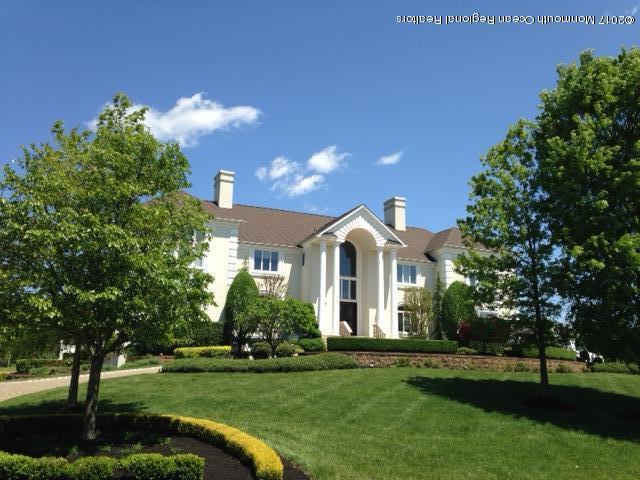 302 Bayview Drive, Morganville, NJ 07751 (MLS #21738990) :: The Dekanski Home Selling Team