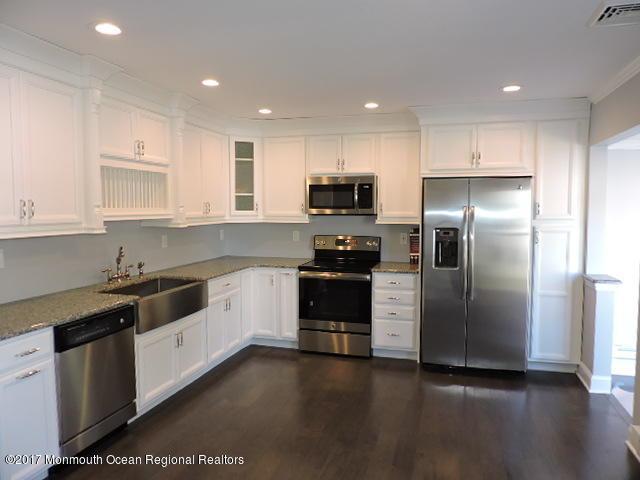 7b Plaza De Las Trinidad Road, Freehold, NJ 07728 (MLS #21739369) :: The Dekanski Home Selling Team