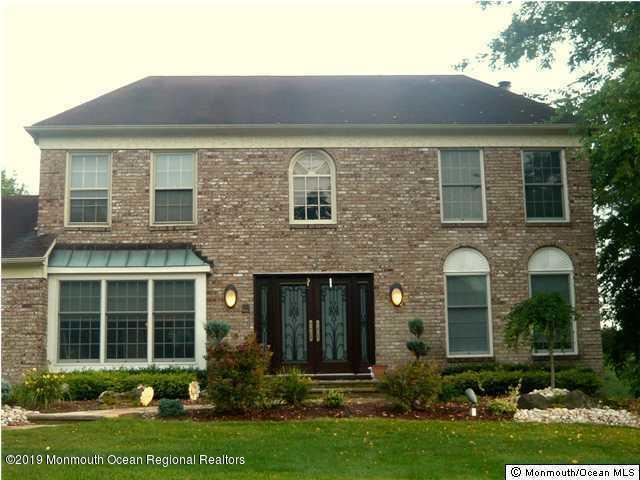 10 Justin Court, Marlboro, NJ 07746 (MLS #21902678) :: The MEEHAN Group of RE/MAX New Beginnings Realty
