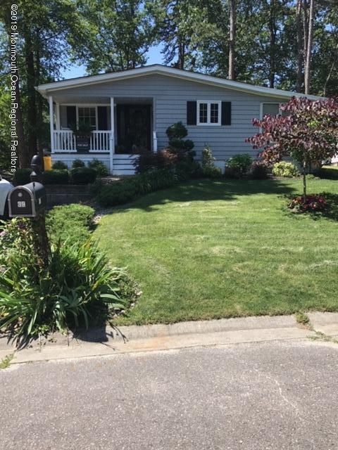 39 Hibiscus Place, Jackson, NJ 08527 (MLS #21905940) :: The MEEHAN Group of RE/MAX New Beginnings Realty
