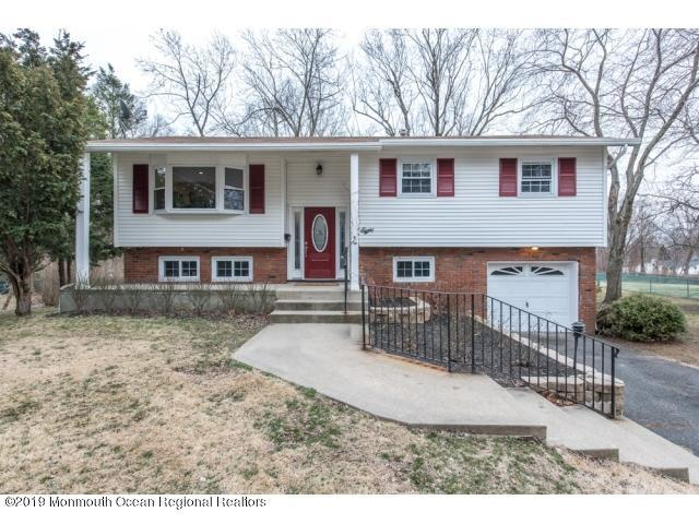 8 Holiday Road, Manalapan, NJ 07726 (MLS #21912117) :: The MEEHAN Group of RE/MAX New Beginnings Realty