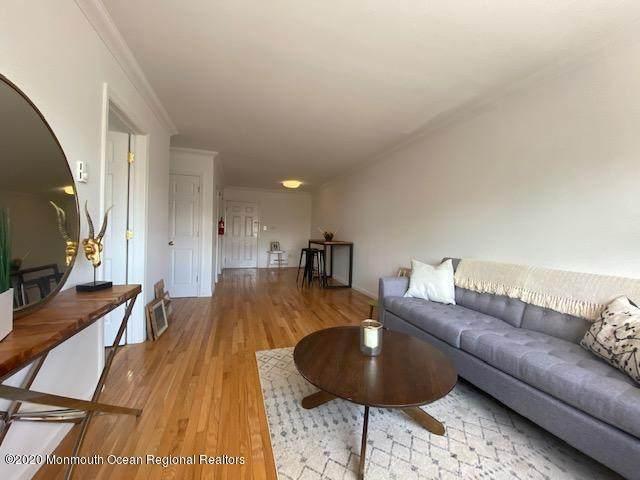 304 4th Avenue - Photo 1