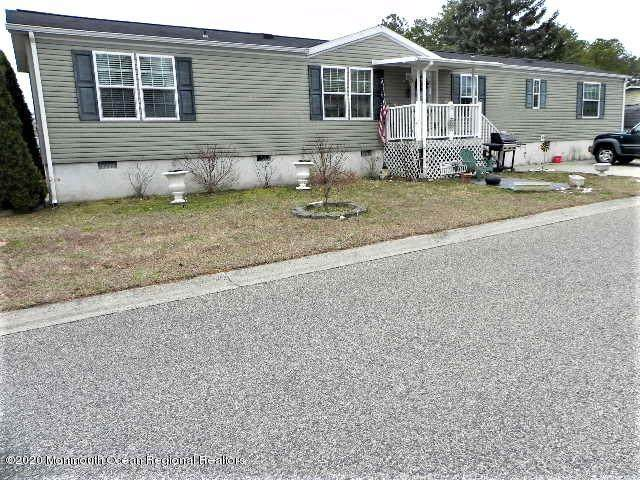 13 Pigeon Court, Whiting, NJ 08759 (MLS #22007009) :: The MEEHAN Group of RE/MAX New Beginnings Realty