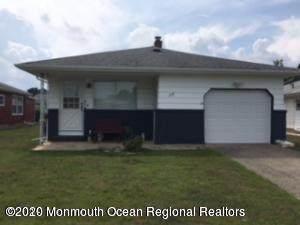 28 Montserrat Street, Toms River, NJ 08757 (MLS #22010623) :: The Dekanski Home Selling Team