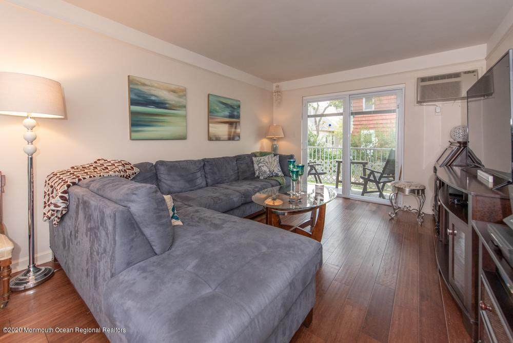 66 Whitefield Avenue - Photo 1
