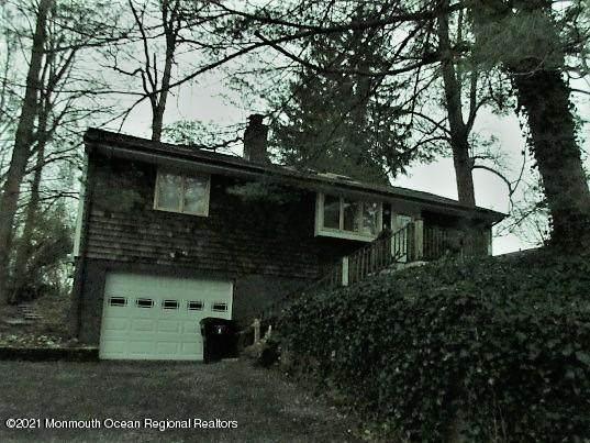 338 Navesink River Road, Middletown, NJ 07748 (MLS #22043639) :: The MEEHAN Group of RE/MAX New Beginnings Realty
