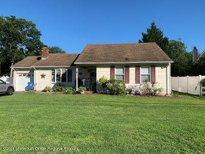 2524 Holly Hill Road, Manchester, NJ 08759 (MLS #22119063) :: The MEEHAN Group of RE/MAX New Beginnings Realty