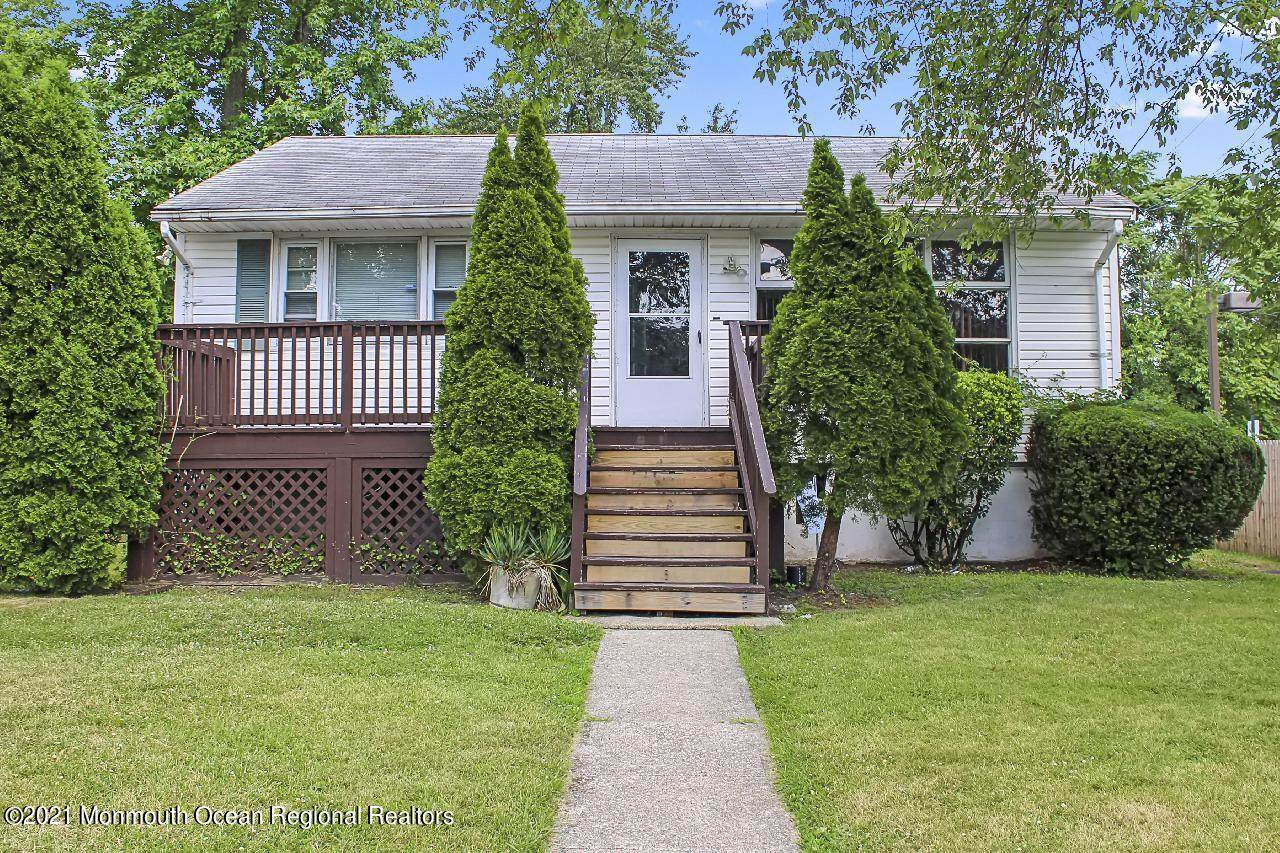 244 Drummond Avenue - Photo 1