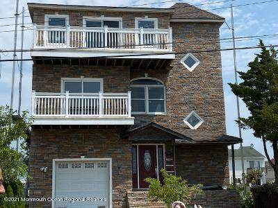 241 Evergreen Drive, Bayville, NJ 08721 (MLS #22124659) :: The MEEHAN Group of RE/MAX New Beginnings Realty