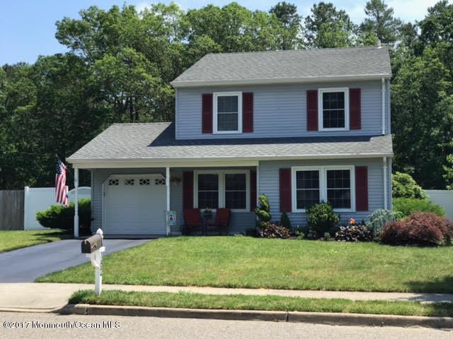 182 Liberty Bell Road, Toms River, NJ 08757 (MLS #21721555) :: The Dekanski Home Selling Team