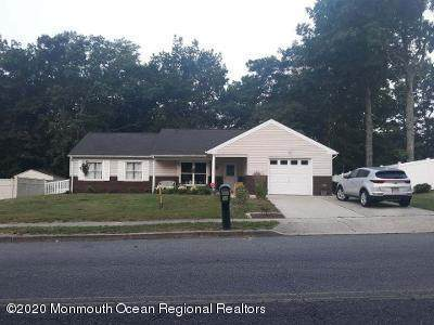 15 Ravenwood Boulevard, Barnegat, NJ 08005 (MLS #22008552) :: The MEEHAN Group of RE/MAX New Beginnings Realty