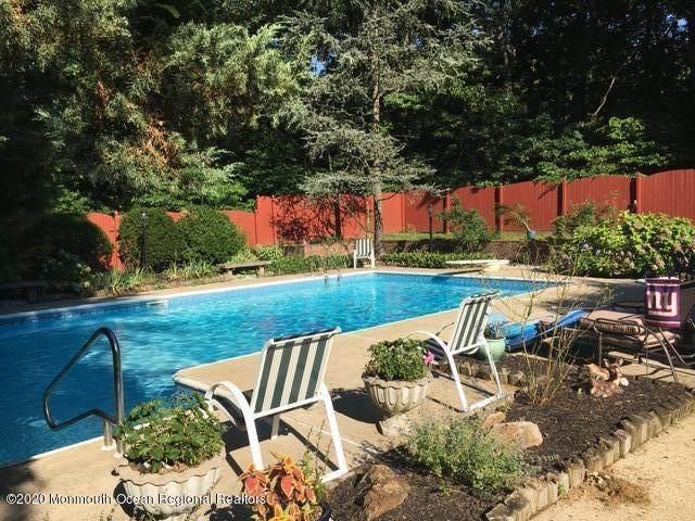 11 Sleepy Hollow Road, Middletown, NJ 07748 (MLS #22037656) :: The Dekanski Home Selling Team
