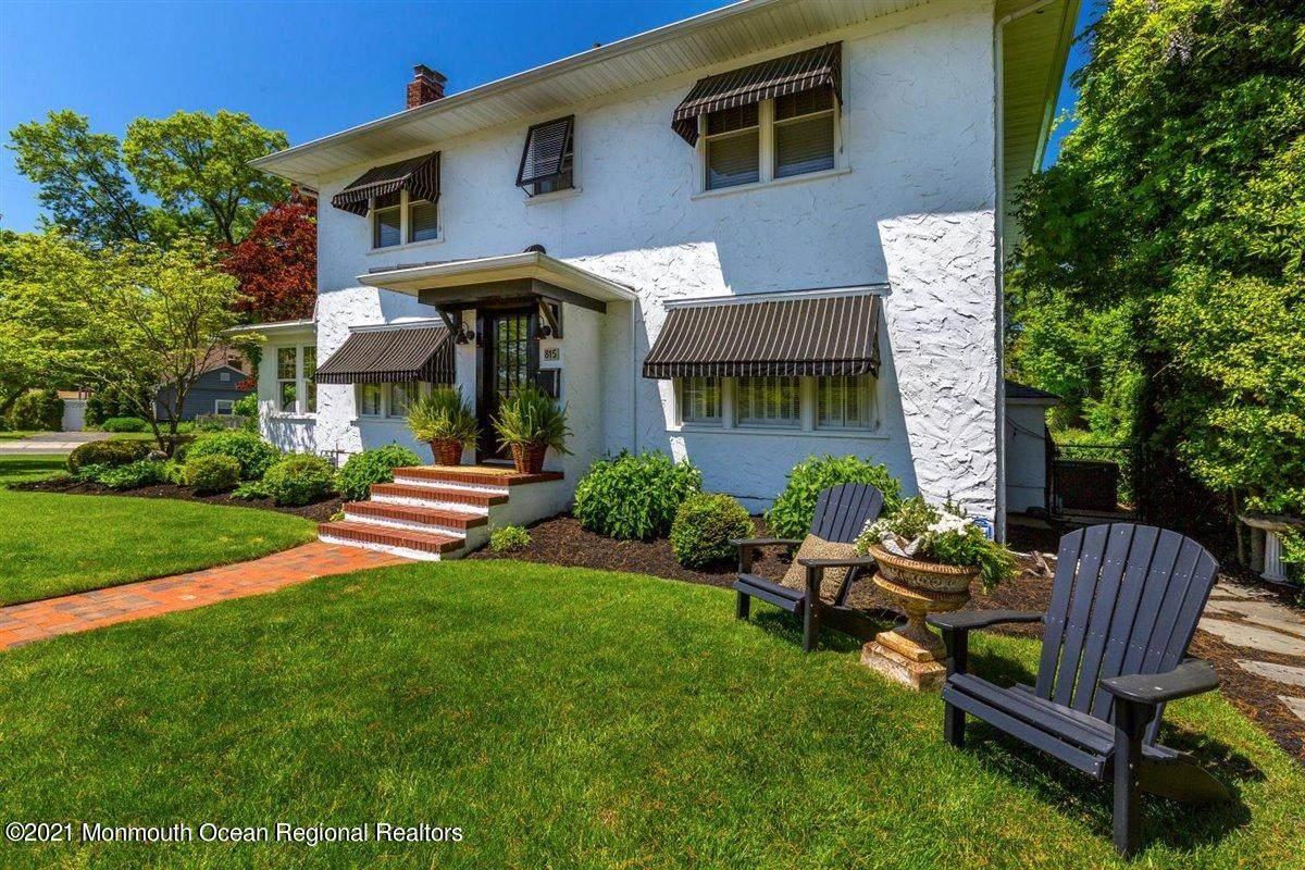 815 Oak Terrace - Photo 1