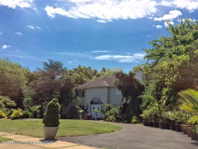 33 Apache Trail, Freehold, NJ 07728 (MLS #21723889) :: The Dekanski Home Selling Team