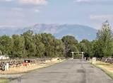 215 Wapiti Way - Photo 4