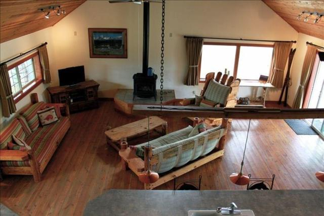 28 River Drive, Livingston, MT 59047 (MLS #319530) :: Black Diamond Montana   Berkshire Hathaway Home Services Montana Properties
