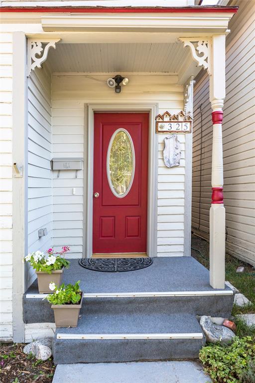 325 S 2nd, Livingston, MT 59047 (MLS #319599) :: Black Diamond Montana | Berkshire Hathaway Home Services Montana Properties