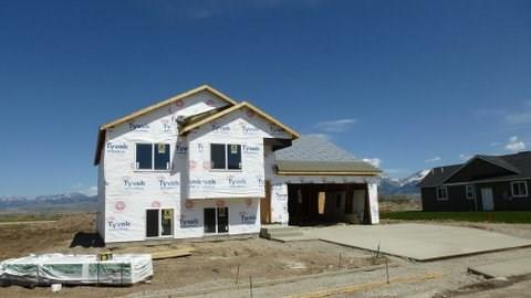 1402 Powers Boulevard, Belgrade, MT 59714 (MLS #319661) :: Black Diamond Montana   Berkshire Hathaway Home Services Montana Properties