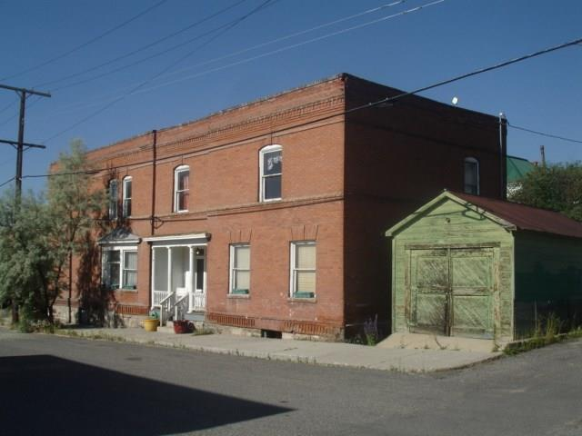 701 W Broadway, Butte, MT 59701 (MLS #323876) :: Black Diamond Montana