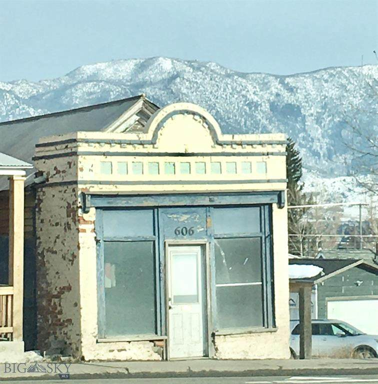 606 Montana Street - Photo 1