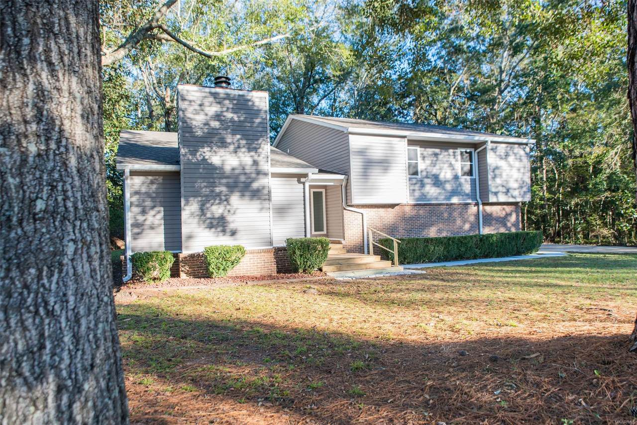 428 Country Club Drive - Photo 1