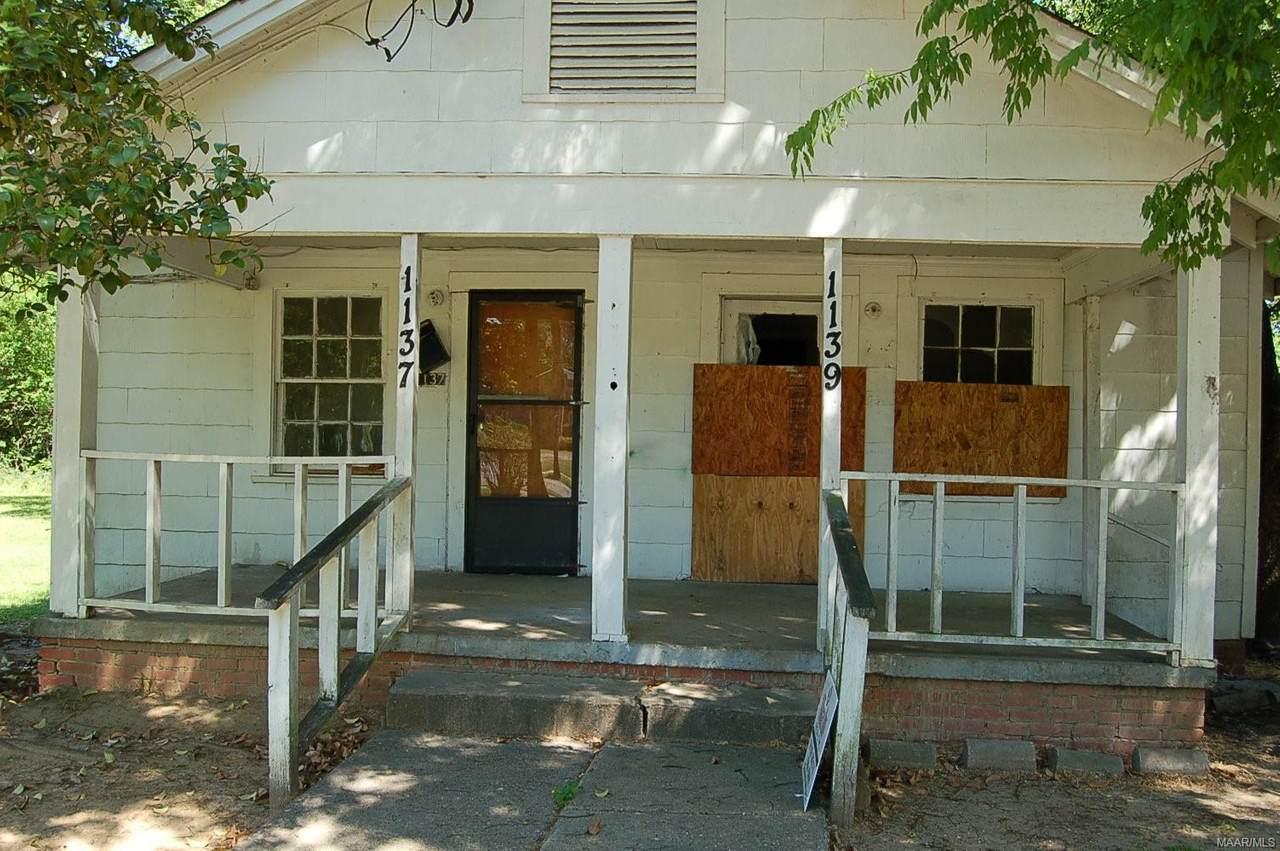 1139 E D Nixon Avenue - Photo 1