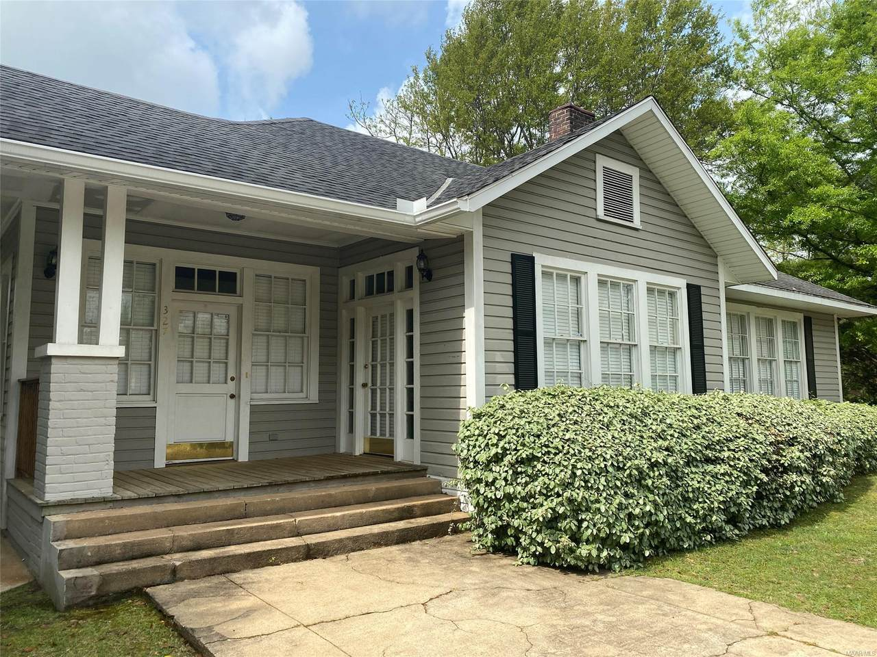 327 Fort Dale Road - Photo 1