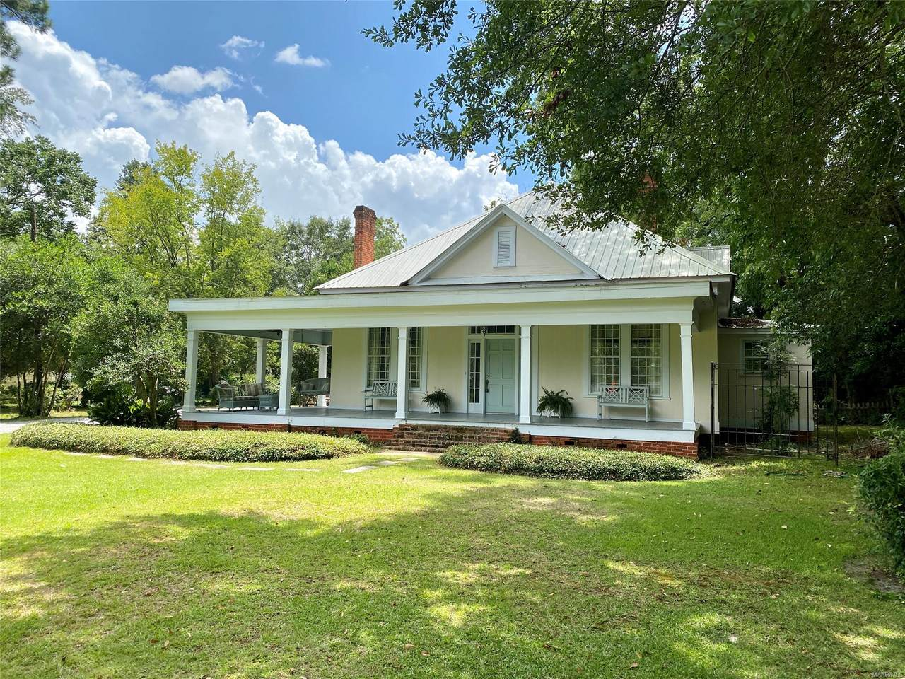 521 Fort Dale Road - Photo 1