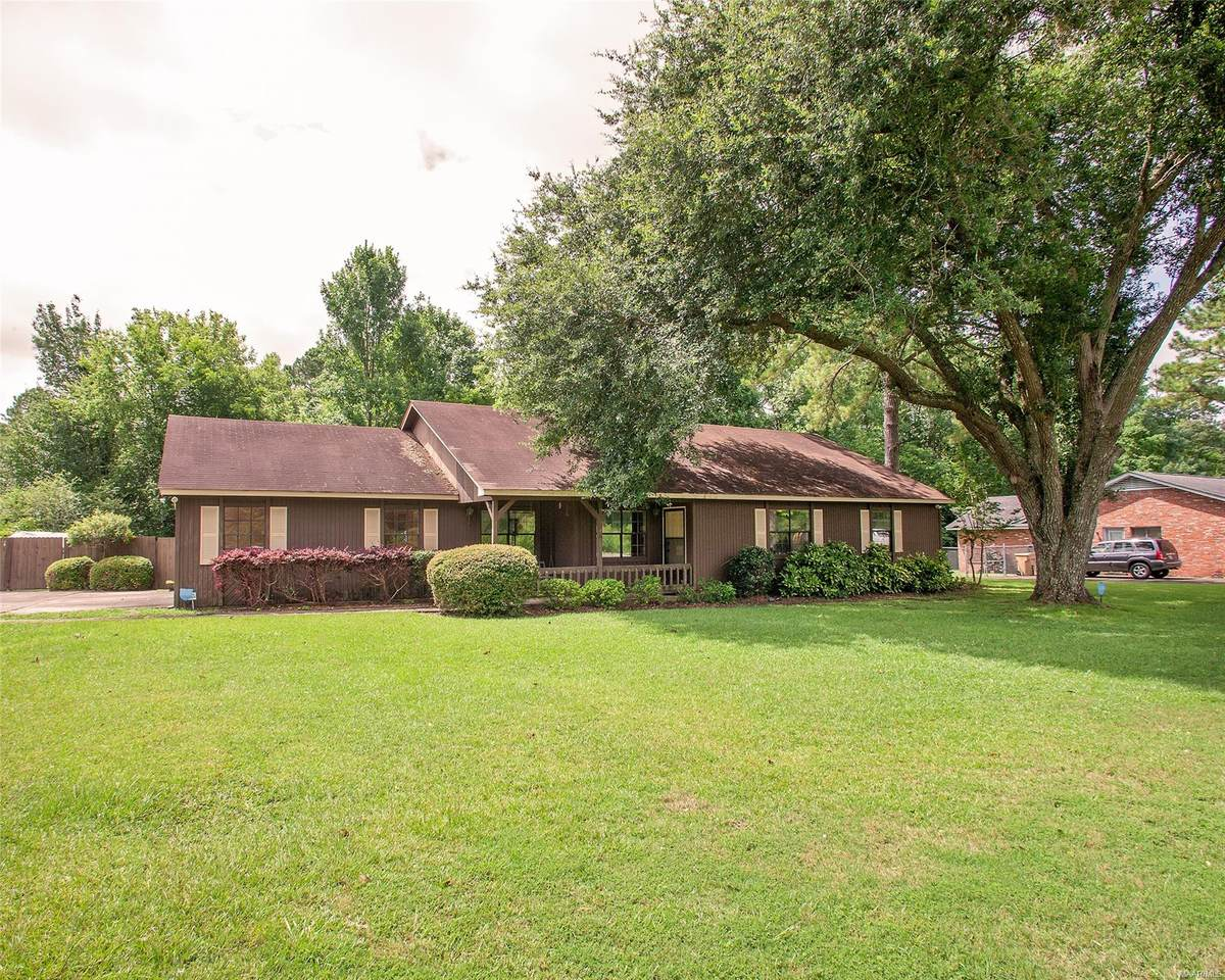 111 Moores Ferry Road - Photo 1