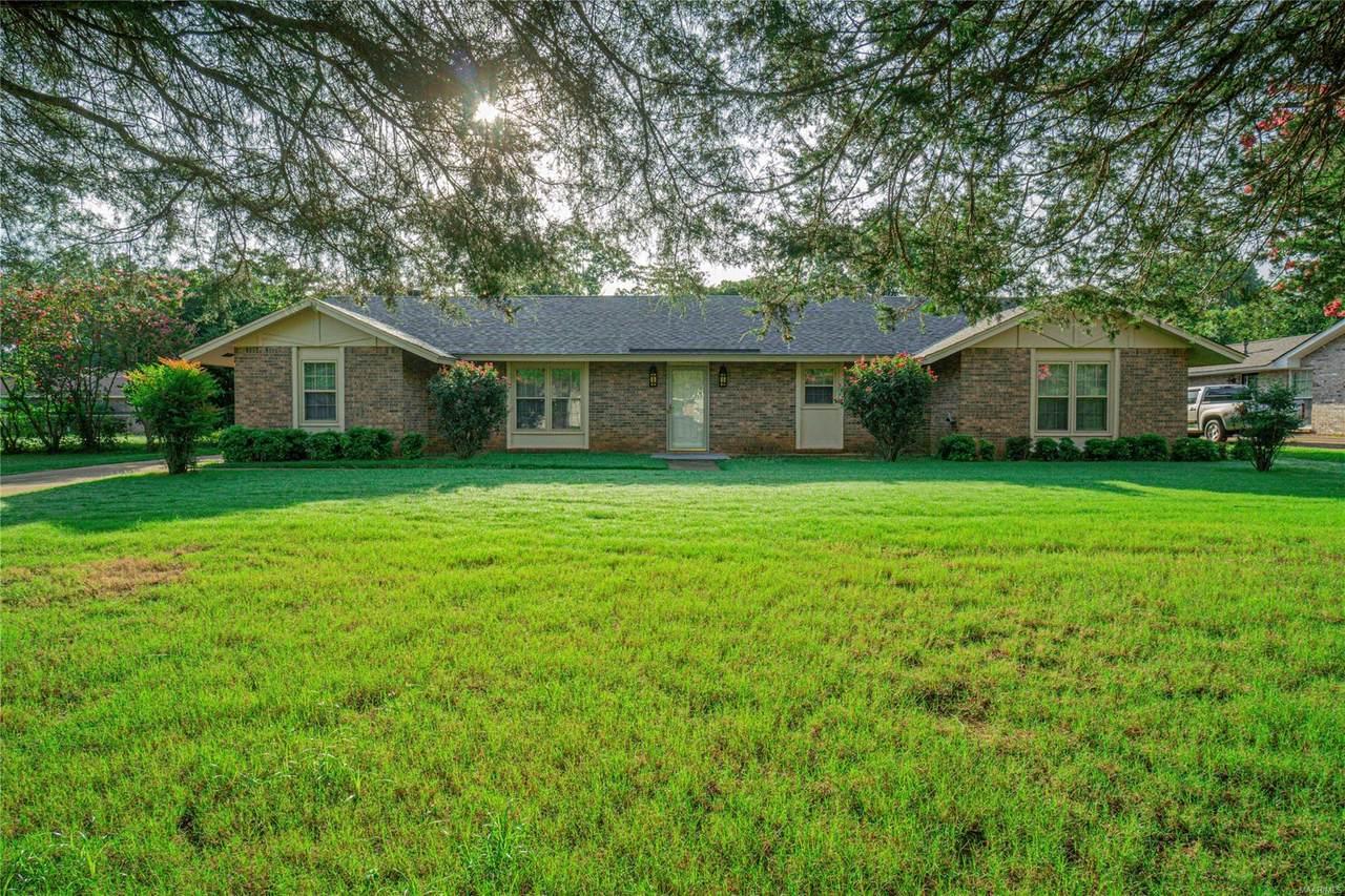 326 Seminole Drive - Photo 1