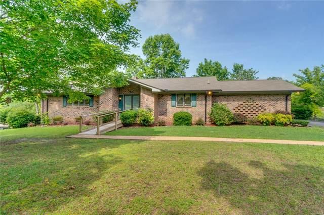1403 Meadowood Drive, Clanton, AL 35045 (MLS #474318) :: LocAL Realty