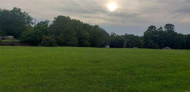 19 Riverhills Drive, Tallassee, AL 36078 (MLS #476791) :: LocAL Realty