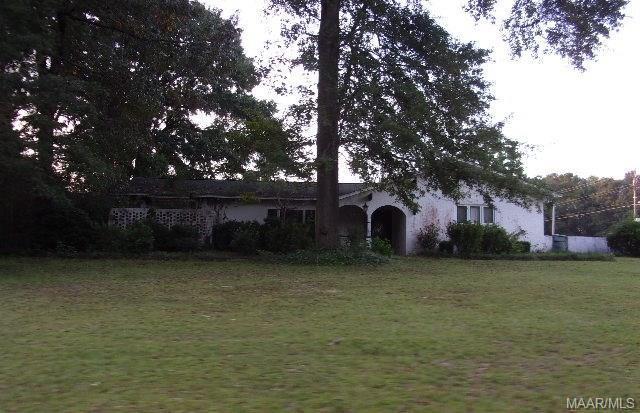 946 Willow Oaks Drive, Ozark, AL 36360 (MLS #440013) :: Team Linda Simmons Real Estate