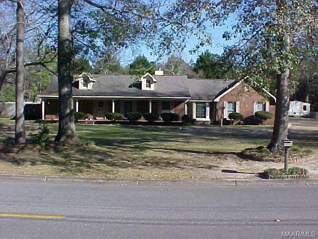 1300 Montezuma Avenue, Dothan, AL 36303 (MLS #445734) :: Team Linda Simmons Real Estate