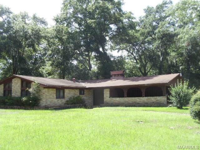 205 Crestwood Drive, Selma, AL 36701 (MLS #461240) :: Buck Realty