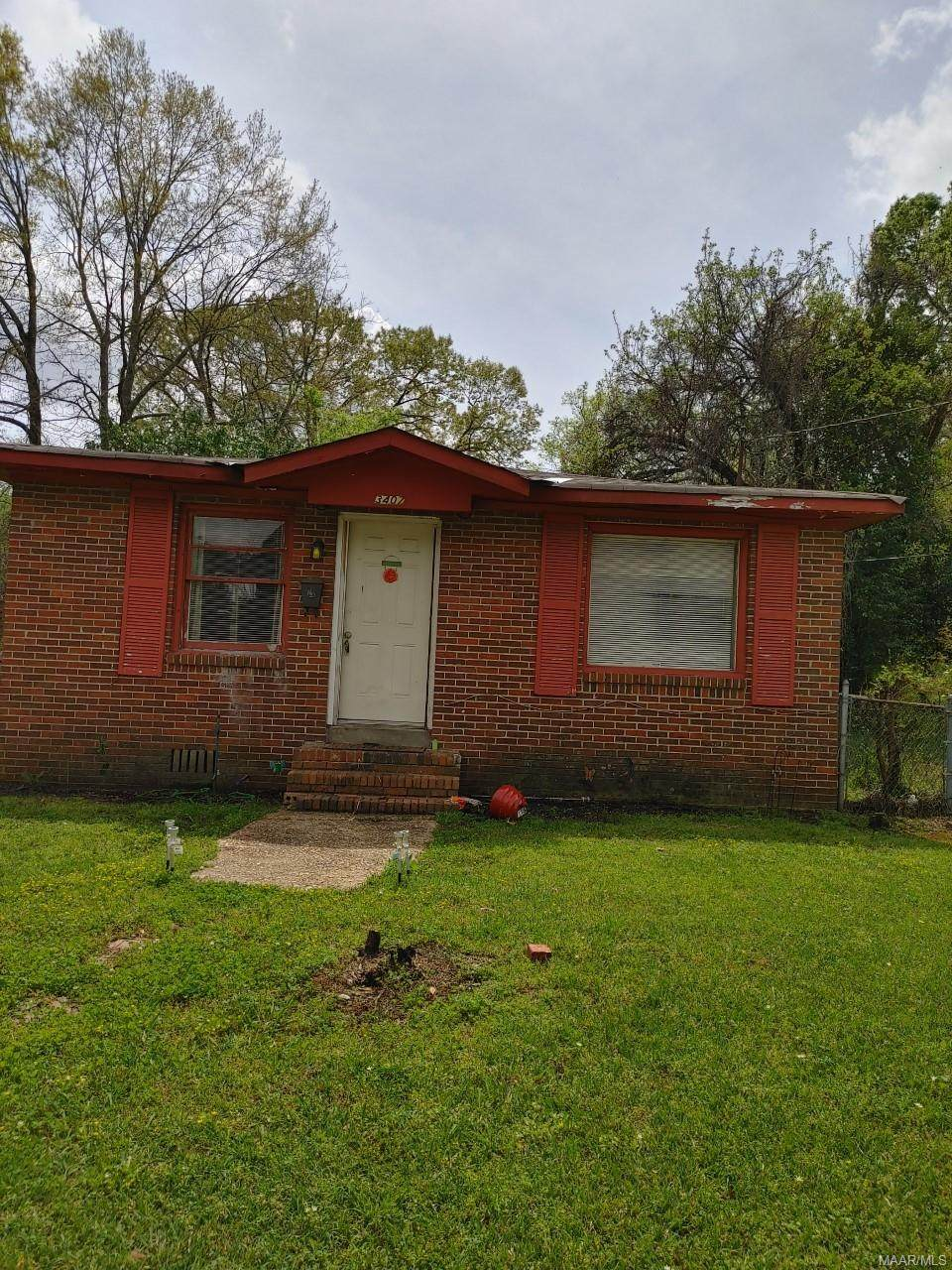 3407 Homeview Street - Photo 1