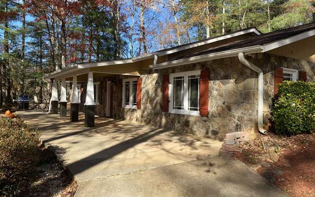 688 Barefoot Rd, HIAWASSEE, GA 30546 (MLS #136665) :: Old Town Brokers