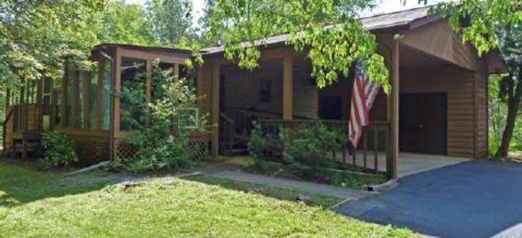 1777 Tanglewood Rd - Photo 1