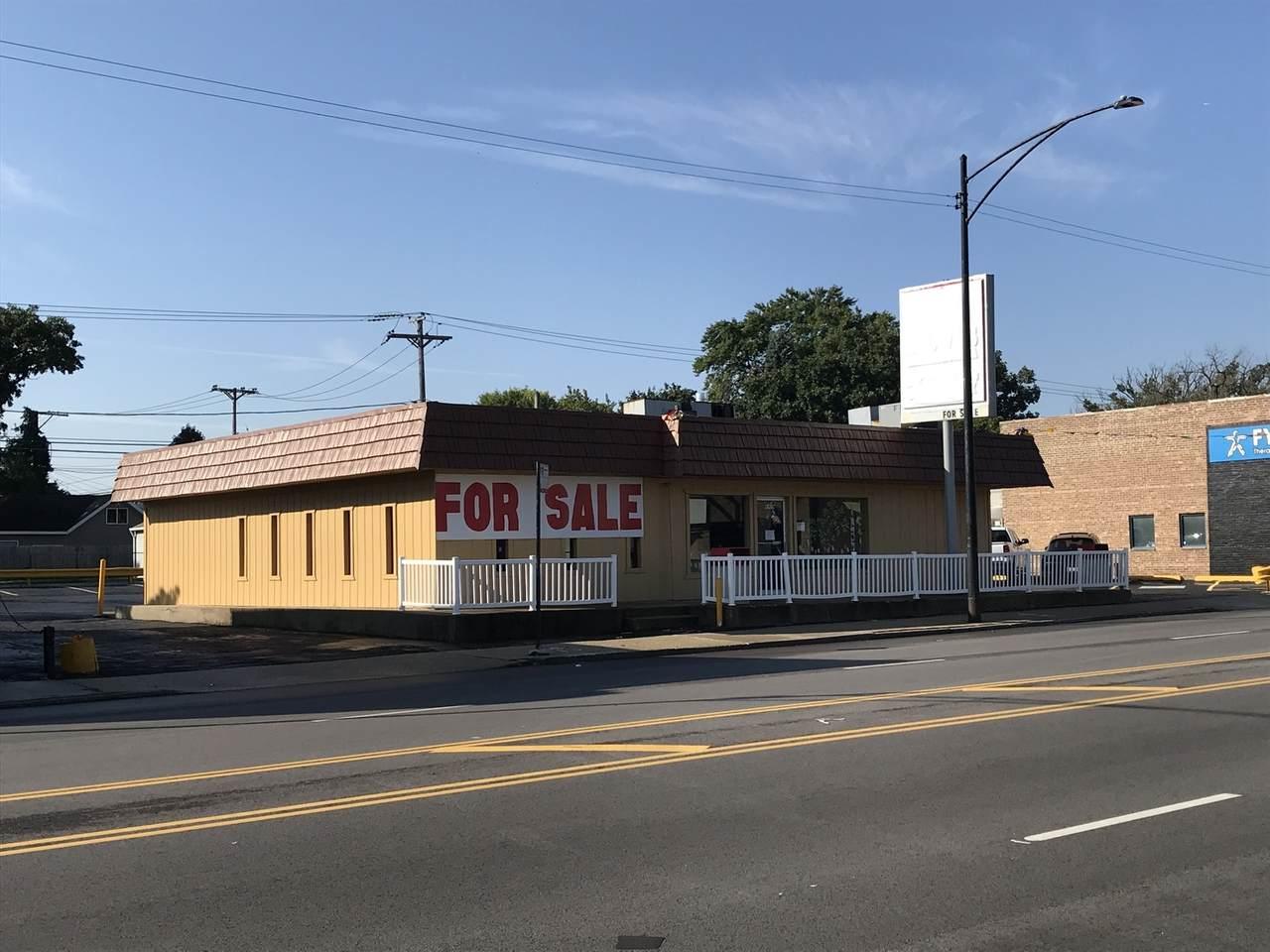 6909 Archer Avenue - Photo 1