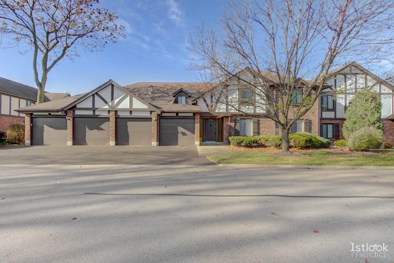 11136 Cottonwood Drive - Photo 1